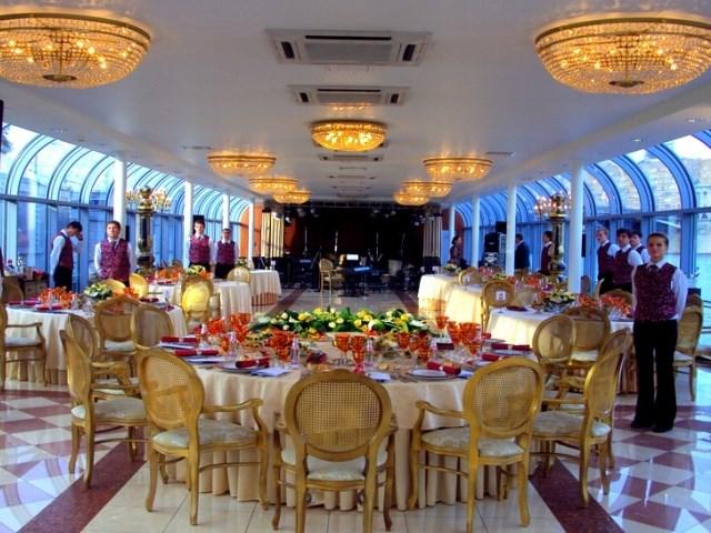 Романтический ужин на теплоходе River Palace